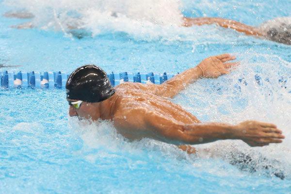 هر شناگر برای مدال یک میلیارد احتیاج دارد، وزیر ورزش تجدید نظر کند