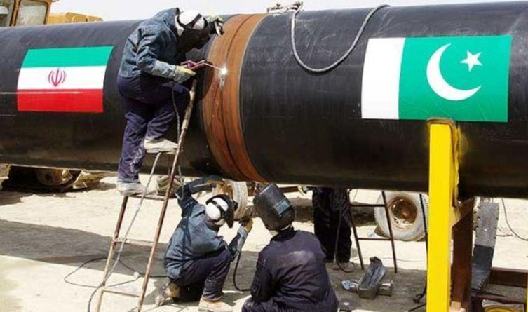 عمران خان: طرح خط لوله انتقال گاز از ایران را تکمیل می کنیم