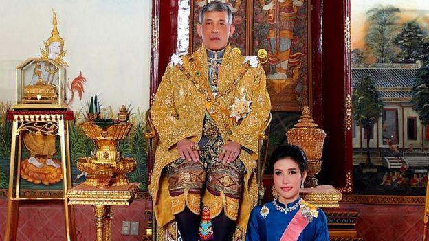 چرا پادشاه تایلند محبوبه رسمی خود را مجازات کرد؟