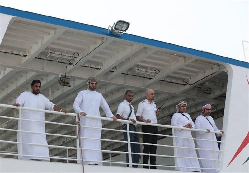 66 گردشگر عمانی با کشتی وارد قشم شدند، صدور ویزای 3 ماهه به سرزمین اصلی در جزیره