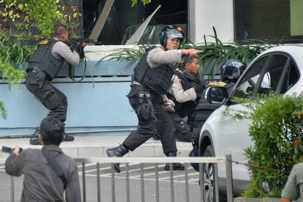 حمله انتحاری در اندونزی با 6 کشته شامل 4 پلیس