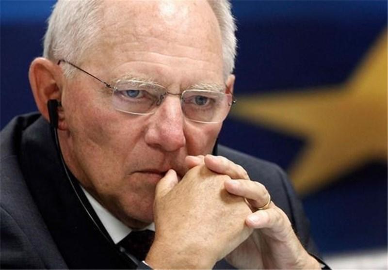 وزیر دارایی آلمان اختلافات خود با مرکل در مسئله یونان را تایید کرد