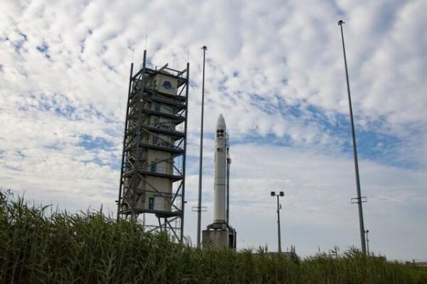 نیروی فضایی آمریکا امروز 4 ماهواره سرّی پرتاب می نماید