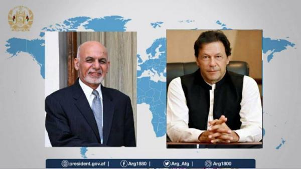 گفت وگو عمران خان و اشرف غنی درباره گفت وگوها صلح افغانستان
