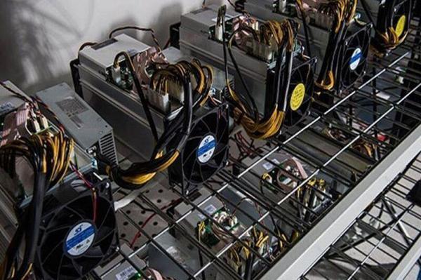 کشف 42 دستگاه ماینر قاچاق در شبستر