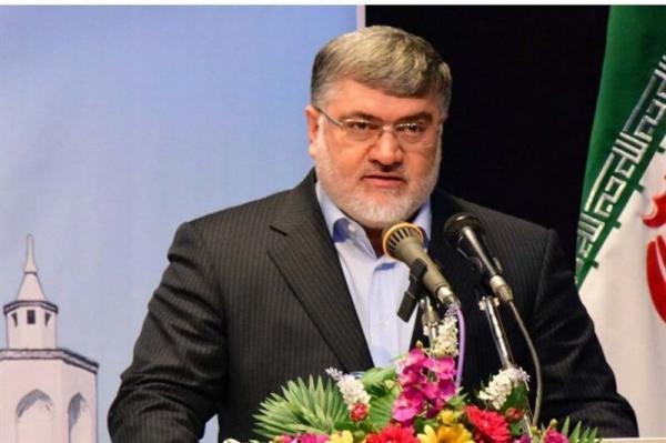 خبرنگاران استاندار خراسان رضوی: مجاهدات کادر درمان در خاطره مردم خواهد ماند