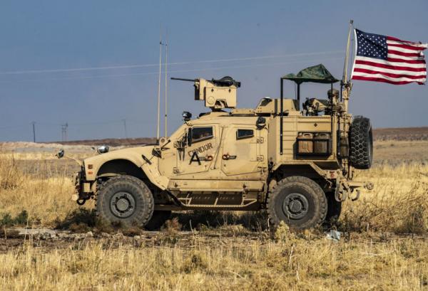 حمله موشکی به عین الاسد ، پرواز بالگردهای آمریکایی بر فراز پایگاه