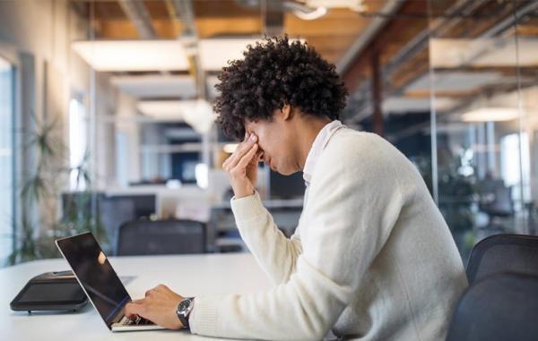 افسردگی شغلی چیست و چطور می توان از آن پیشگیری کرد؟